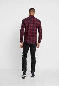 Burton Menswear London - PERRY  - Hemd - burgundy - 2