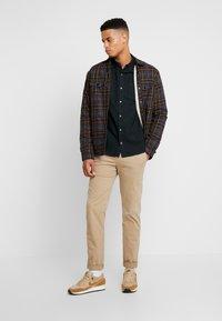 Burton Menswear London - SCARAB OXFORD - Shirt - dark green - 1