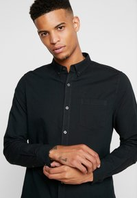 Burton Menswear London - SCARAB OXFORD - Shirt - dark green - 3
