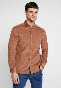 Burton Menswear London - GINGER  - Camicia - taupe/beige - 0