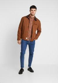 Burton Menswear London - GINGER  - Camicia - taupe/beige - 1