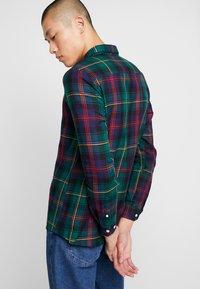 Burton Menswear London - TARTAN - Košile - green - 3