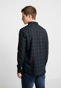 Burton Menswear London - TARTAN MOX - Košile - green - 2
