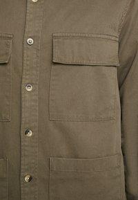 Burton Menswear London - SHACKET - Skjorte - khaki - 4
