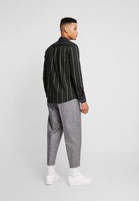 Burton Menswear London - MICHIGAN  - Košile - dark green - 2