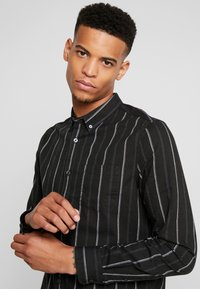Burton Menswear London - MICHIGAN  - Košile - dark green - 3