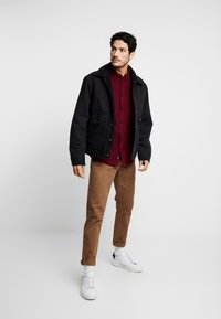 Burton Menswear London - Košile - burgundy - 1