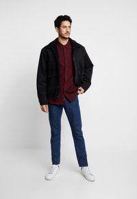 Burton Menswear London - BURG HERRINGBONE - Shirt - burgundy - 1