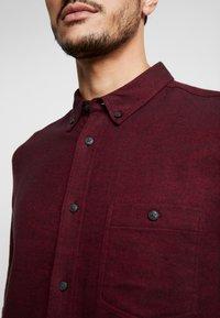 Burton Menswear London - BURG HERRINGBONE - Shirt - burgundy - 5