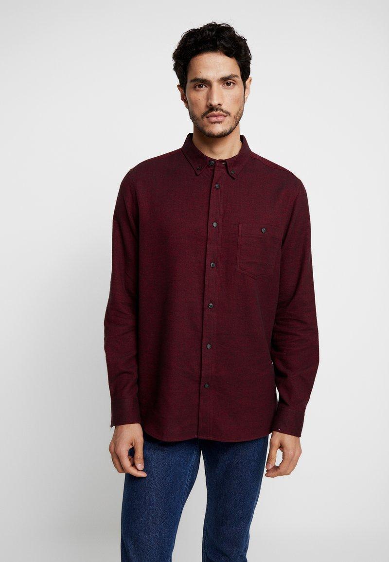 Burton Menswear London - BURG HERRINGBONE - Shirt - burgundy