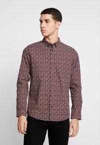 Burton Menswear London - XMAS TREE - Košile - burgundy - 0