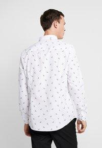 Burton Menswear London - REINDEER - Shirt - white - 2