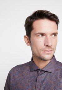 Burton Menswear London - BURGUNDY PAISLEY DESIGN - Košile - burgundy - 3