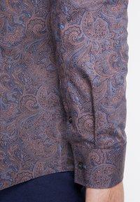 Burton Menswear London - BURGUNDY PAISLEY DESIGN - Košile - burgundy - 5