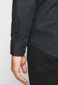 Burton Menswear London - FLORAL DESIGN - Košile - navy - 3
