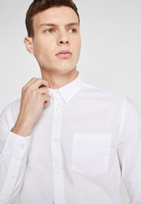 Burton Menswear London - Košile - white - 3