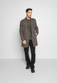 Burton Menswear London - Košile - khaki - 1