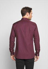 Burton Menswear London - ARIAL - Košile - bordeaux - 2