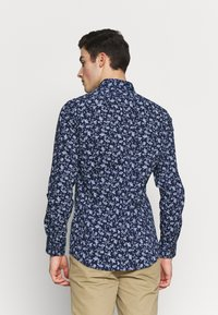 Burton Menswear London - SCATTERED FLORAL - Camicia - navy - 2