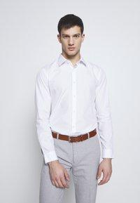 Burton Menswear London - 2 PACK FORMAL SHIRT - Camisa - blue/white - 2