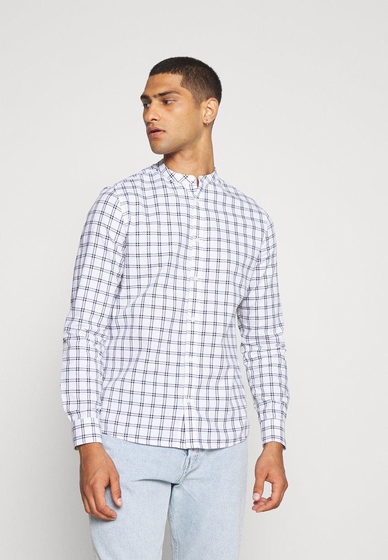 Burton Menswear London - LONG SLEEVE GRANDAD BLEND SHIRT - Koszula - white