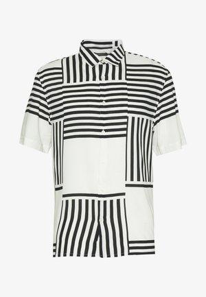 SHORT SLEEVE POPLIN SPLICE - Skjorta - white