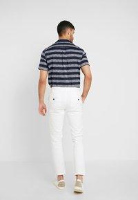 Burton Menswear London - Chino - white - 2