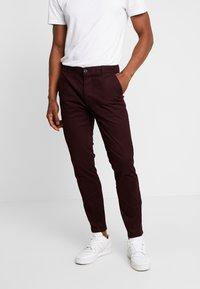 Burton Menswear London - Chino - burgundy - 0