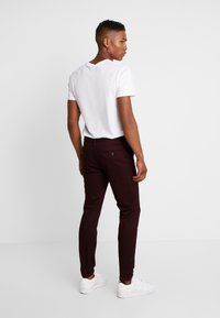 Burton Menswear London - Chino - burgundy - 2