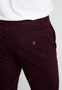 Burton Menswear London - Chino - burgundy - 5