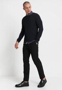Burton Menswear London - STRETCH TROUSER - Kalhoty - black - 1