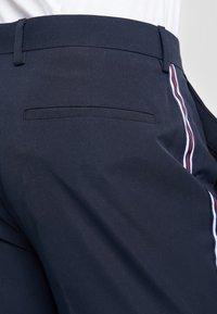 Burton Menswear London - SIDE STRIPE TROUSER - Trousers - navy - 5