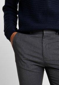 Burton Menswear London - Kangashousut - mid grey - 5