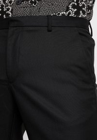 Burton Menswear London - Tygbyxor - black - 3