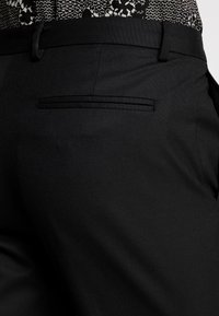 Burton Menswear London - Tygbyxor - black - 5