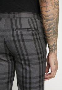 Burton Menswear London - CHECK - Kalhoty - black - 4