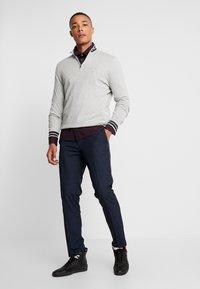 Burton Menswear London - FINE CHECK - Broek - navy - 1