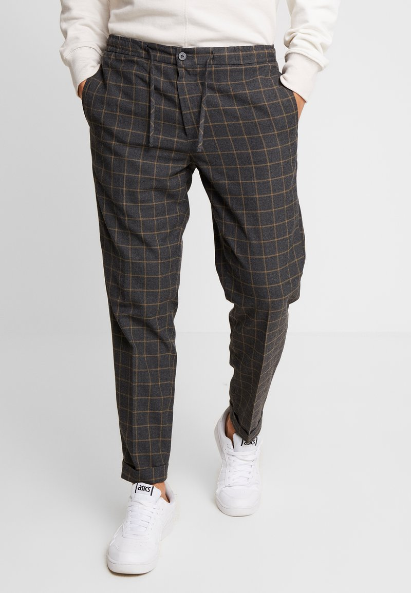 Burton Menswear London - WINDOW - Trousers - mid grey