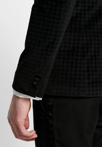 Burton Menswear London - DOGTOOTH  - Suit jacket - green - 6