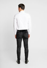 Burton Menswear London - PARTY - Trousers - black - 2