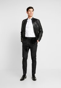 Burton Menswear London - PARTY - Trousers - black - 1