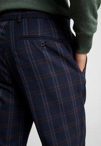 Burton Menswear London - TART CHECK - Spodnie materiałowe - mid blue - 5