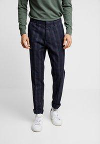 Burton Menswear London - TART CHECK - Spodnie materiałowe - mid blue - 0