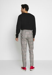 Burton Menswear London - Tygbyxor - grey - 2