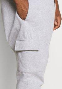 Burton Menswear London - BIG CORE CARGO JOGGER - Tracksuit bottoms - grey marl - 4