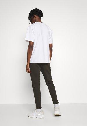 COLLCETION UTILTIY - Teplákové kalhoty - khaki