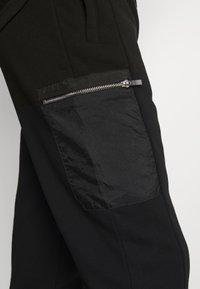 Burton Menswear London - Spodnie treningowe - black - 3