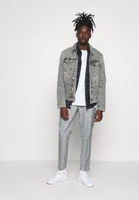 Burton Menswear London - Pantaloni - grey - 1