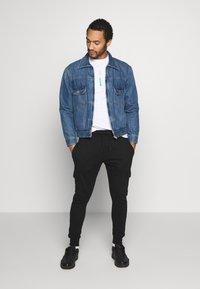 Burton Menswear London - CORE CARGO - Teplákové kalhoty - navy - 1