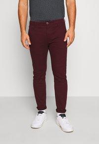 Burton Menswear London - Chinot - burg - 0